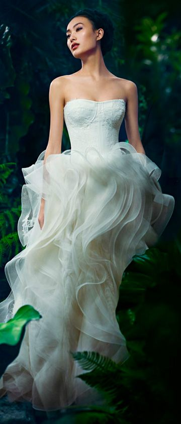 Vera Wang, Bridal 2013 (love the upper part I'm not sure about the bottom. a bit iffy on that.)