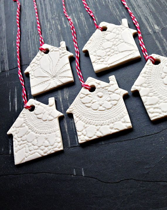 5 Christmas Ornaments White Ceramic Christmas Tree House Decorations Holiday Decor Porcelain Little Houses with Vintage Lace Texture
