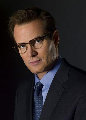 Jack Coleman as Noah Bennet. Old man crush alert! Love those horn-rimmed glasses ;)