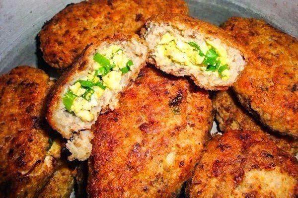 Гречневые зразы с куриным филе, зеленым луком и яйцом | Кулинарные Рецепты