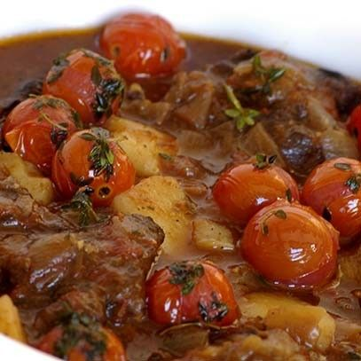 Oxtail with tomato and thyme