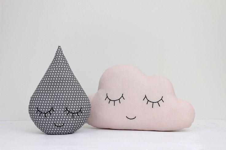 Set von Wolken und Regentropfen Kissen von prostoConcept auf DaWanda.com