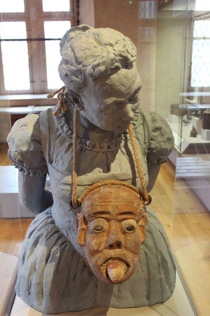 Le Klapperstein, collier des mauvaises langues au musée historique de Mulhouse