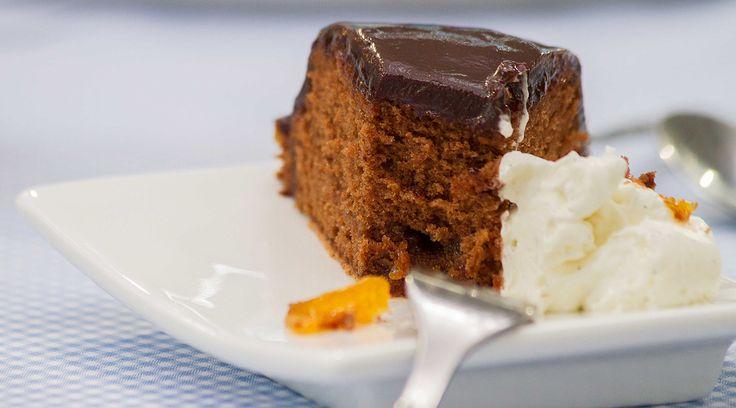 Scopri la ricetta della torta Sacher del maestro Ernst Knam giudice di Bake Off Italia