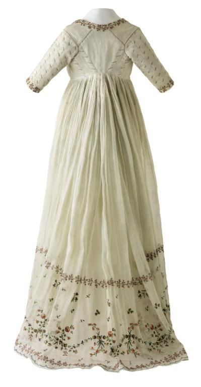 History Of Fashion Ab 1795 1799 White Dress With Sleeves And
