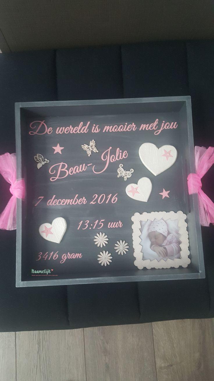 Prachtig geboortebord van Beau-Jolie. Eenvoudig kraamcadeau om zelf te maken met een stickerset van 9,95 en accessoires van o.a. Action, Xenos etc. #DIY #kraamcadeau #zelf maken #persoonlijk #uniek