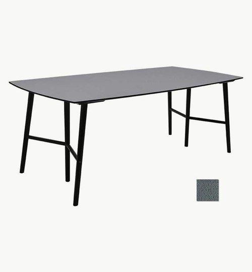 Perstorp matbord längd 195 cm i svart färg. Matbordet är tillverkat i MDF med en laminatskiva som man lagt ovanpå. Detta  var något som var mycket populärt under slutet av 50-talet. Bordet är otroligt slittåligt och med högtryckslaminatet i varierade färger går det att få bordet precis som man vill. Perstorps ben är tillverkade i metall som sedan är svartlackerat. Dessa ben gör att bordet kan stå stadigt då två av benen är längre ut och ett i mitten för bästa stöd. #azdesign #matbord