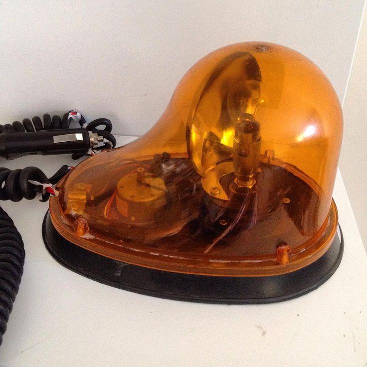 Araç içi ikaz lambası #lamba#araba#oyuncak #sanat #dekor #tasarım #koleksiyon #hobi #hediye #bursa #feriköy #ankara #antika # http://turkrazzi.com/ipost/1517982604568493119/?code=BUQ9SLghvw_