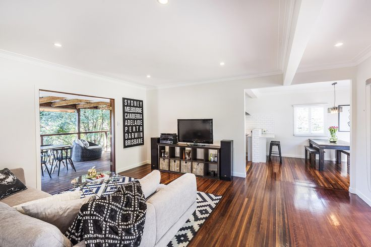 MOUNT GRAVATT EAST 57 Gatton Street...Style and warmth emanates from this beautifully designed two bedroom abode perfectly positioned in Mount Gravatt East.