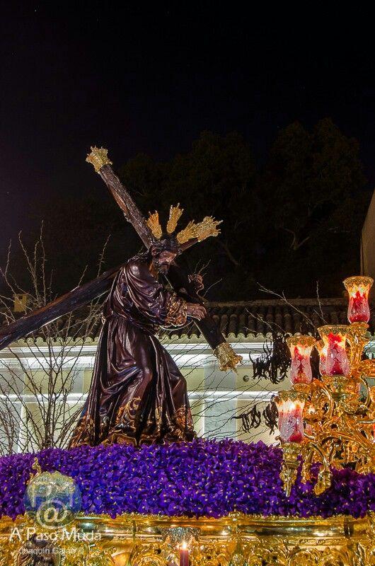 La Candelaria.Jesús de la Salud es una talla completa y es el unico de la Semana Santa de Sevilla que no viste con tunica