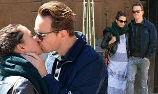 Michael Fassbender gives Alicia Vikander a kiss in NY   Daily Mail Online