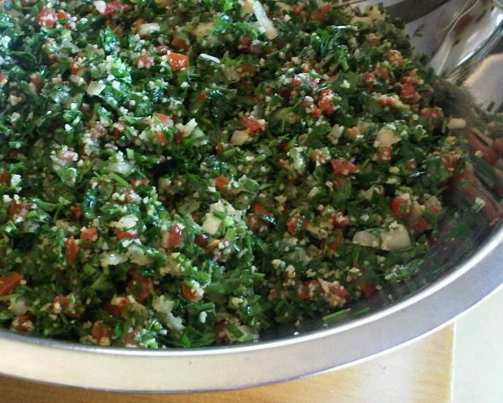 tabouli, authentic recipe -- Turned out well, halved the recipe, will definitely make again.  ===  made for the 2nd time, much better! remember bunch size can vary so adjust the rest as well accordingly.