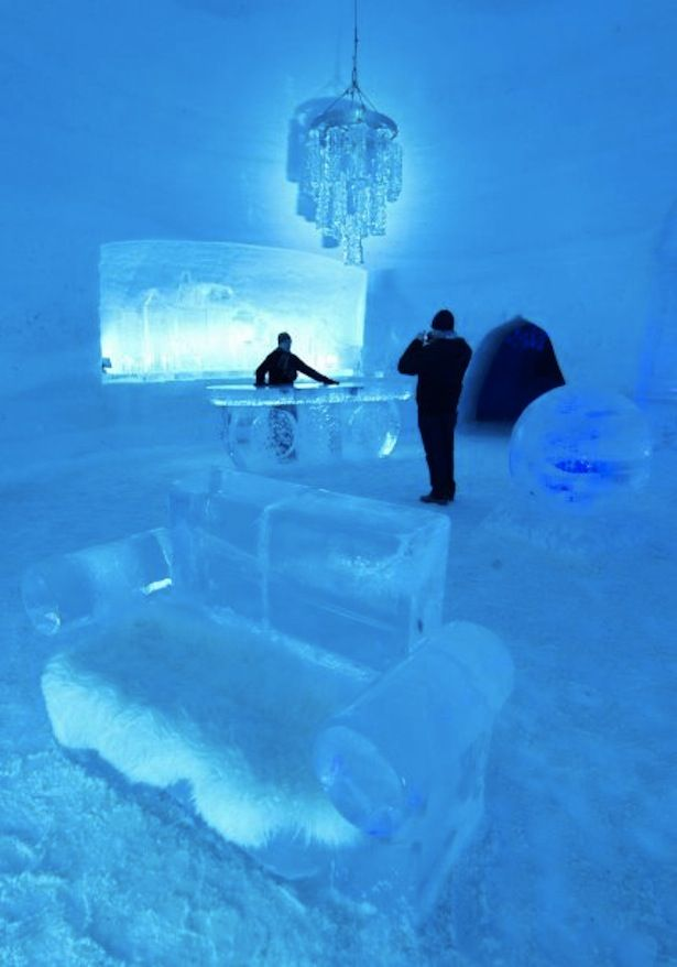 Montreal Snow Village... Very cool;) but I don't want to visit