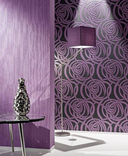 papel pintado de ondas en color lila y negro entra en
