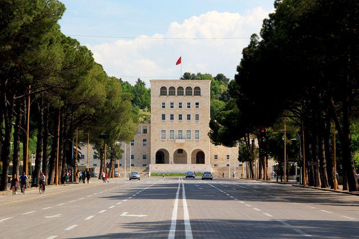 L'université Mère Térésa de Tirana