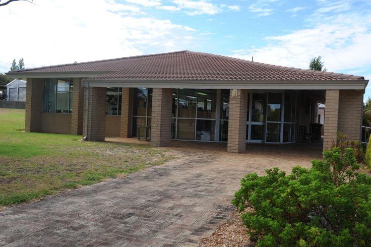 BA2500/WASL 1046: Waroona Community Library, 24 March 2012 https://encore.slwa.wa.gov.au/iii/encore/record/C__Rb3532951