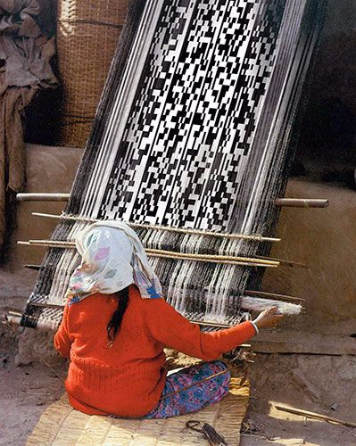 Mapuche weaver in Chile.