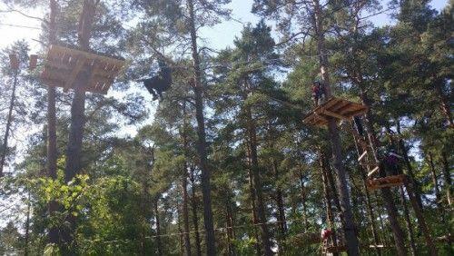 Testissä seikkailupuisto Korkee