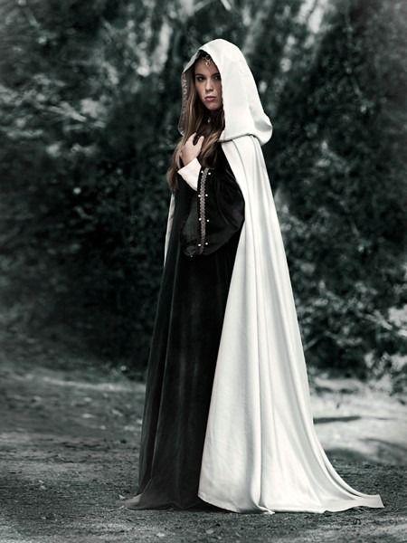 Manteau de noce (pèlerine) ivoire avec capuche : Manteau, Blouson, veste par dame-du-pays-de-laon