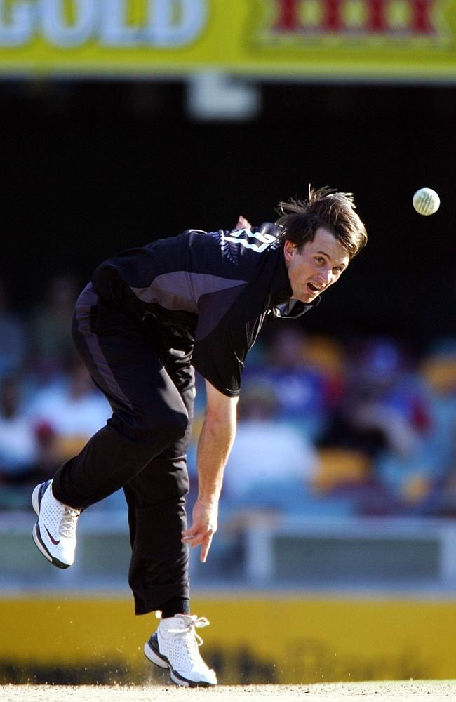 Shane Bond lets fly in a ODI between New Zealand and England at the Gabba in 2007.  Shane Edward Bond New Zealand's right arm fast bowler was the most dangerous bowler of his time, his fastest delivery at 156.4 kmph during the World Cup 2003.