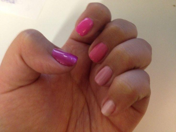 Mis uñas de este mes... Muchos rosas