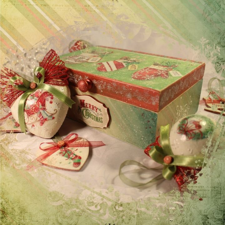 Christmas collection. Christmas toys with a box set. Wooden box 24x15 cm. Toys from the foam and polimer clay.