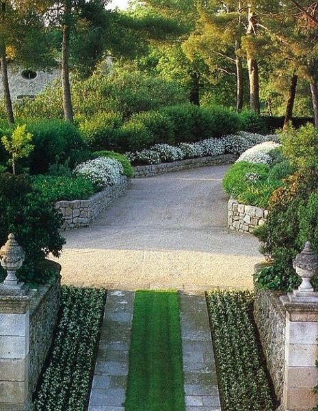 Driveway & Garden, Russell Page