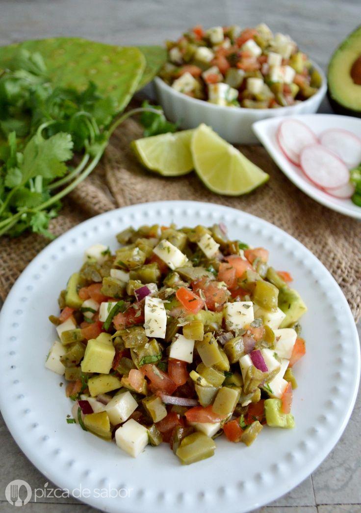 Ensalada de nopales con queso panela (saludable & rápida) www.pizcadesabor.com