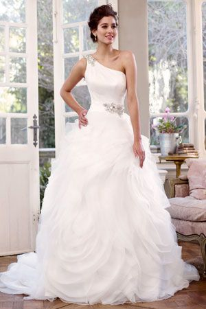 702 best Beautiful Gowns and Unique Outfits images on Pinterest ...