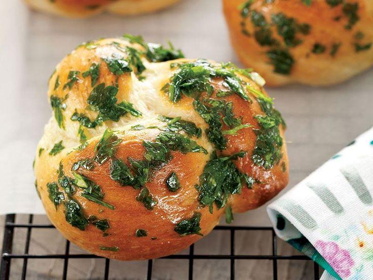 Maydanoz Ve Sarımsaklı Düğüm Ekmek Tarifi - Lezzet