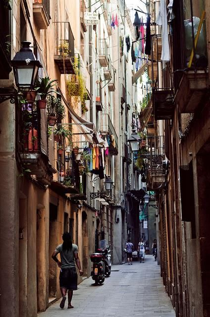 So in love with the Barrio Gotico. #Barcelona  #borne #lafabricadetomate