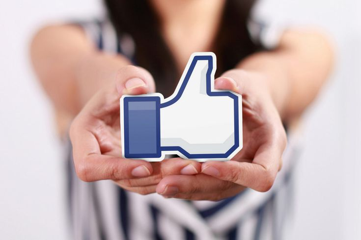 FACEBOOK'S NEW ALGORITHM    Don't worry - it's not as bad as it sounds. There are still ways you can use Facebook for your business with #DigitalFreak  #socialmediamarketing #Facebook #socialmedia #onlinemarketing #tips #advice #blog #support #digitalmarketing