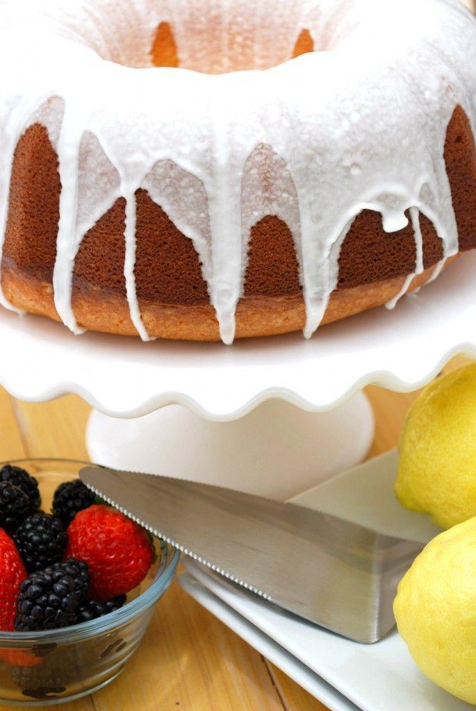 Lemon Lover's Pound Cake on http://www.cakeandallie.com