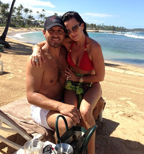 Kyle Richards, Husband Mauricio Umansky Show Off Sexy Beach Bods in Puerto Rico: Pictures - Us Weekly
