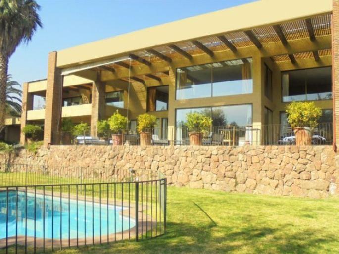 Espectacular casa sector Mayflower Informe de Engel & Völkers | T-1421753 - ( Chile, Región Metropolitana de Santiago, Lo Barnechea, Camino Del Sol )
