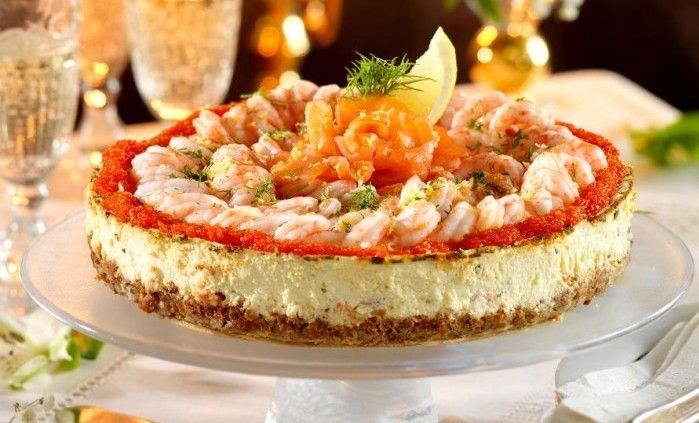 Snabb, lätt och läcker - det är vår magnifika räkcheesecake i ett nötskal! Passar alla alltid, antingen som förrätt eller supé. Bjud kalla, torra bubblor till.