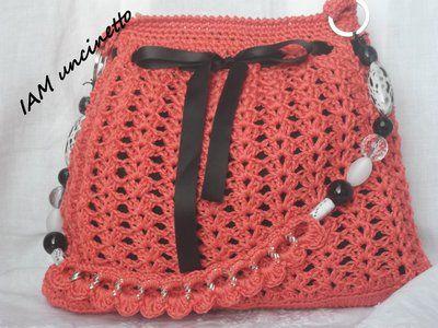 Borsa all'uncinetto arancione corallo con tracolla catena rivestita e perle, foderata, tasca interna. Crochet bag
