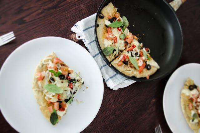 Breakfast pizza from the frying pan recipe: www.dziarskapara.pl