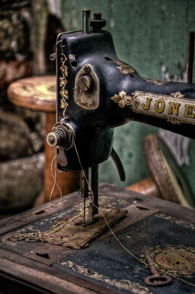 This picture shows a design of old sewing machine. It would be perfect picture to compare old sewing machine and modern sewing machine for my research paper.