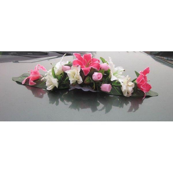 Décoration-voiture-composition-lys-et-roses http://bouquet-de-la-mariee.com/11-decoration-voiture-mariage