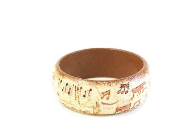 Wooden bangle with decoupage of music paper  UNIQUE by verdesedano #italiasmartteam #etsyshop #etsy #shopping #giftidea @etsy