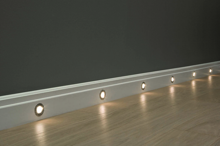 SX155 skirting board with LED lighting