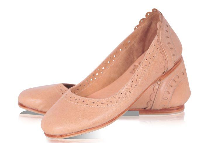 ULUWATU.  pisos de ballet de cuero / pisos de cuero / zapatos de boda / zapatos de mujer / marfil zapatos de cuero. Disponible en cuero diferentes colores. de BaliELF en Etsy https://www.etsy.com/es/listing/182371022/uluwatu-pisos-de-ballet-de-cuero-pisos