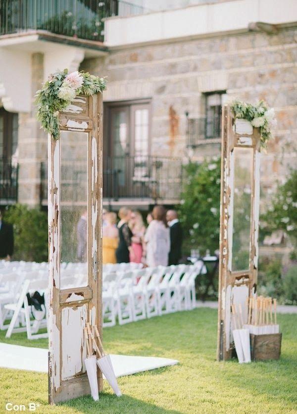 Decorar la entrada a tu boda con puertas en *Con B de Boda* http://conbdeboda.blogspot.com.es/2014/01/puertas-para-decorar-una-boda.html