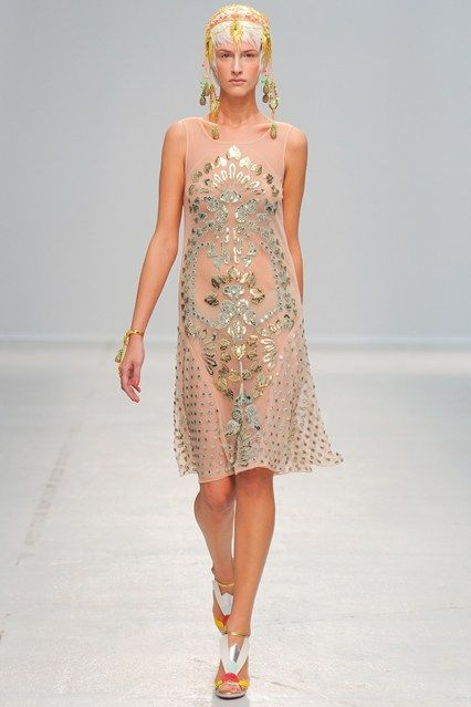 http://www.vogue.co.uk/fashion/spring-summer-2014/ready-to-wear/manish-arora/full-length-photos/gallery/1050917