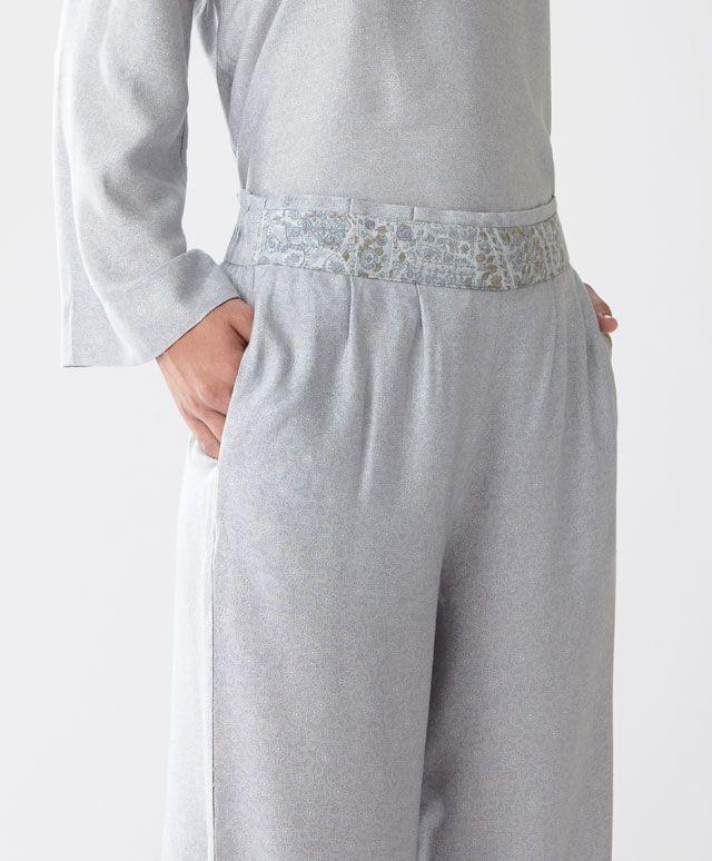Pantaloni greche orientali - Vedi Tutto - Tendenze moda donna AW 2016 su Oysho on-line : biancheria intima, lingerie, abbigliamento sportivo, scarpe, accessori e costumi da bagno. Spedizione gratuita a partire da 40 EUR e resi gratuiti.