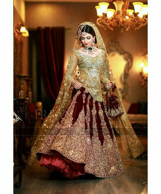 2024c54a81 Pakistani Bridal Dresses for Barat Day In Red Color | Pakistani ...
