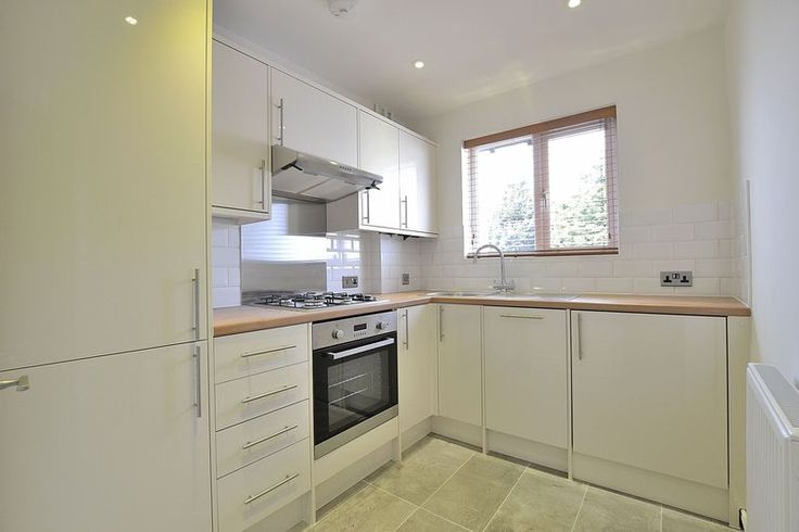 TO LET  Refurbished 2 bed apartment in #Bromley  http://www.vincentchandler.co.uk/properties-to-let/property/6792809-southborough-lane-bromley