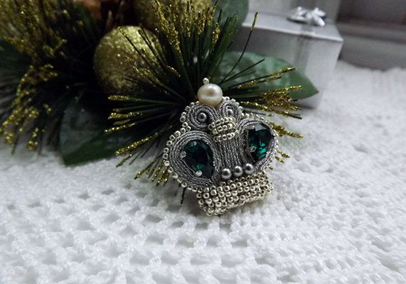 """Small green and silver Soutache brooch crown """"Emerald""""-Soutache jewelry-Hand embroidered brooch-hand embroidered jewelry"""