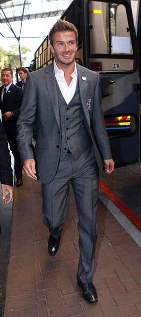 Gray David Beckham suit custom made Tuxedos Groomsman Bridegroom Wedding best man suits ( jacket+Pants+vest+tie)
